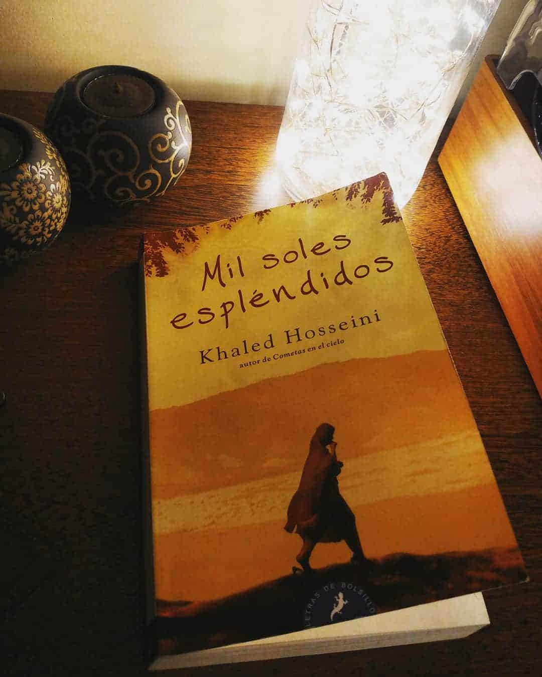 MIL SOLES ESPLÉNDIDOS DE KHALED HOSEINNI