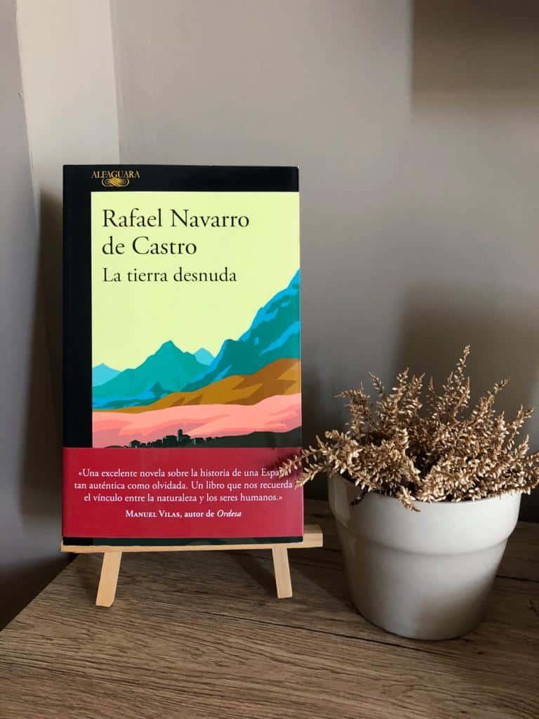 LA TIERRA DESNUDA, de Rafael Navarro de Castro.