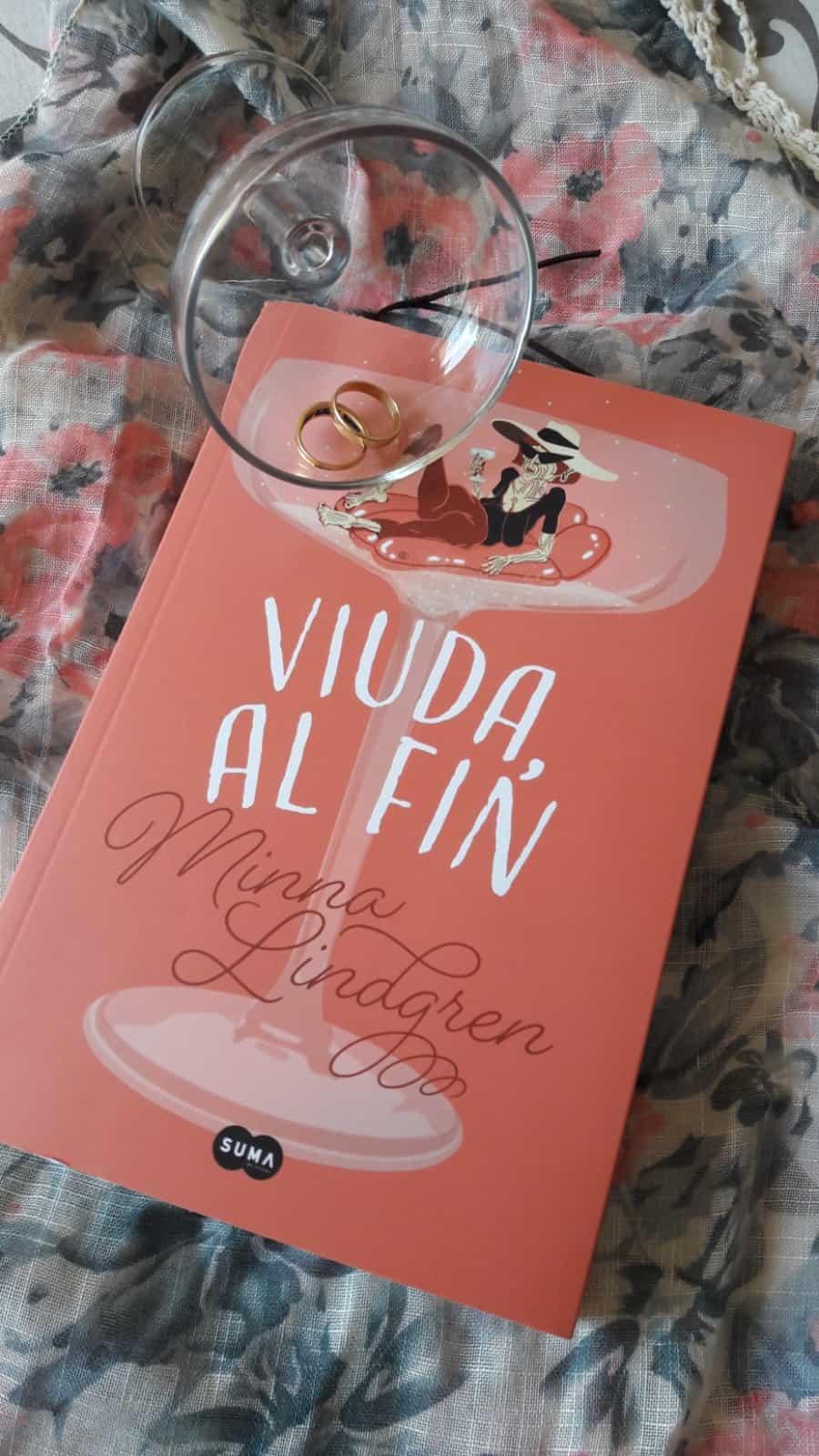 «VIUDA AL FIN», de Minna Lindgren