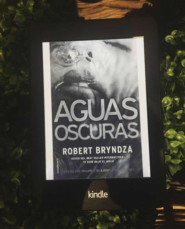 AGUAS OSCURAS de Robert Brynza