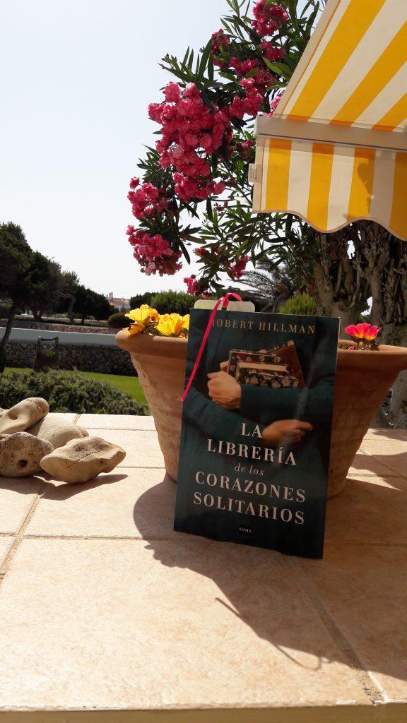 LA LIBRERIA DE LOS CORAZONES SOLITARIOS