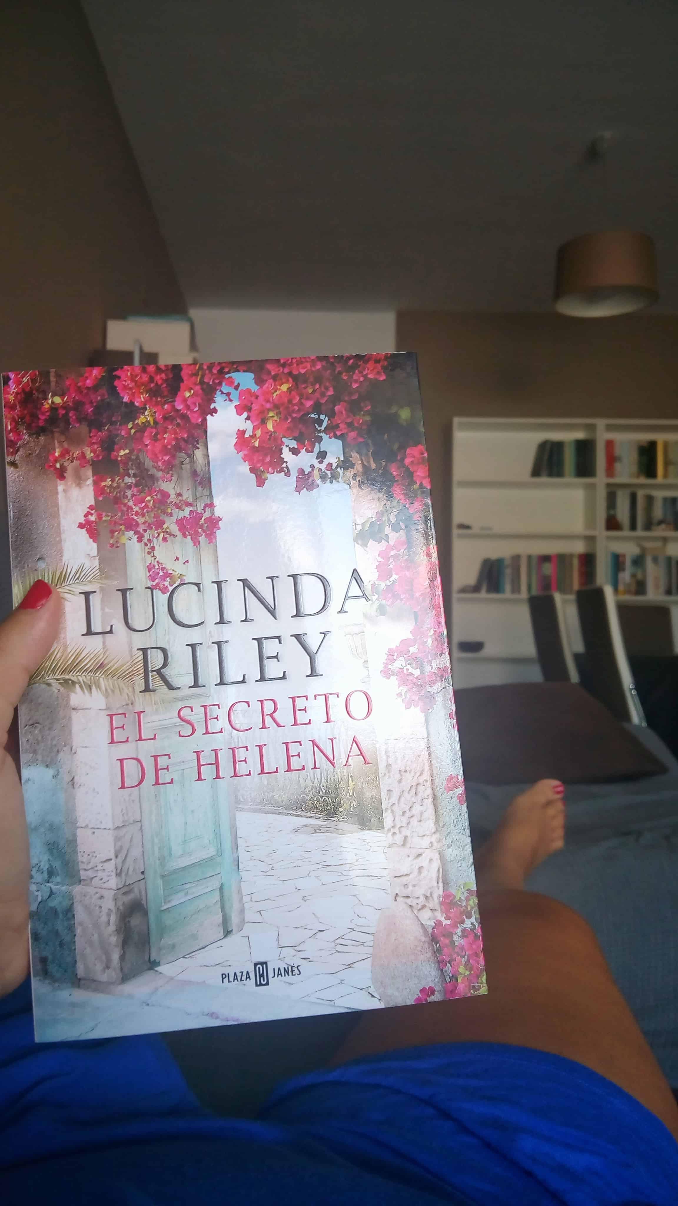 EL SECRETO DE HELENA, de Lucinda Riley.