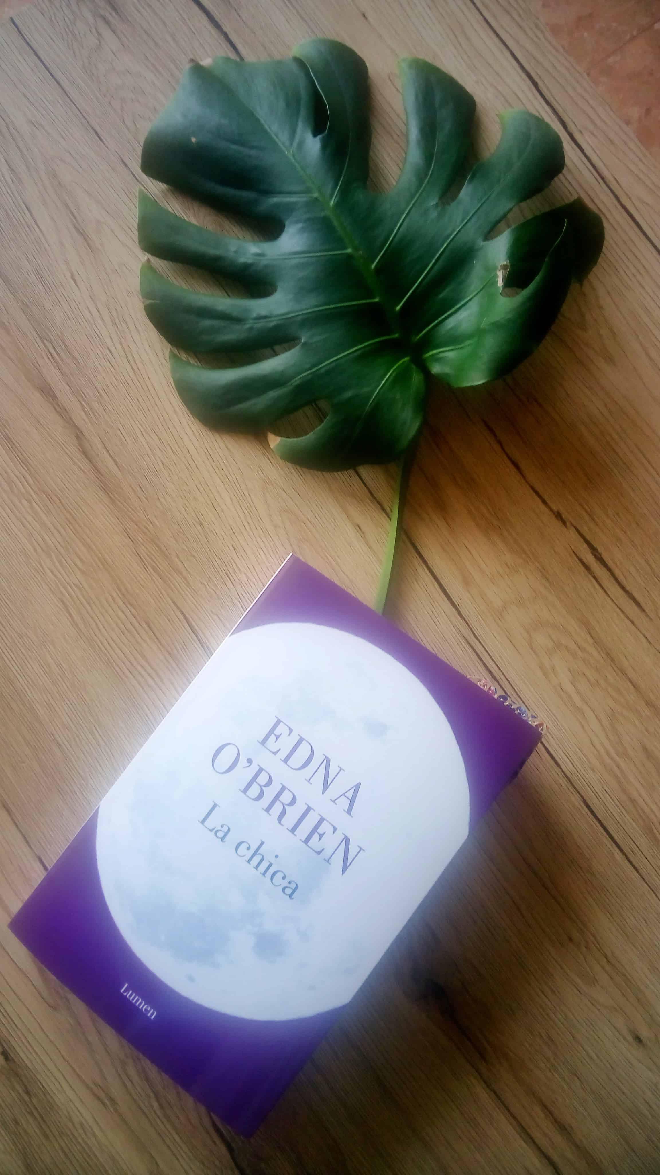 LA CHICA, de Edna O'Brien.