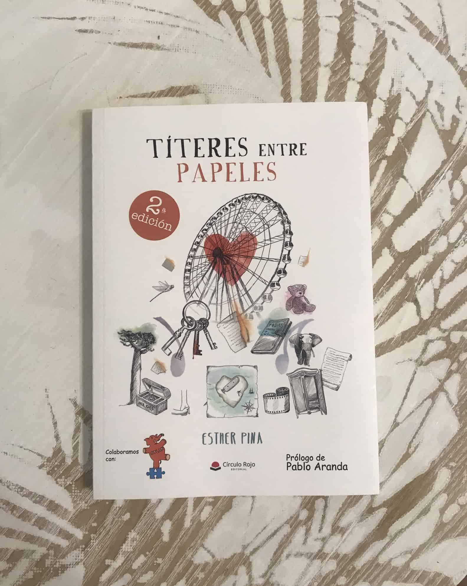 TÍTERES ENTRE PAPELES, de Esther Pina