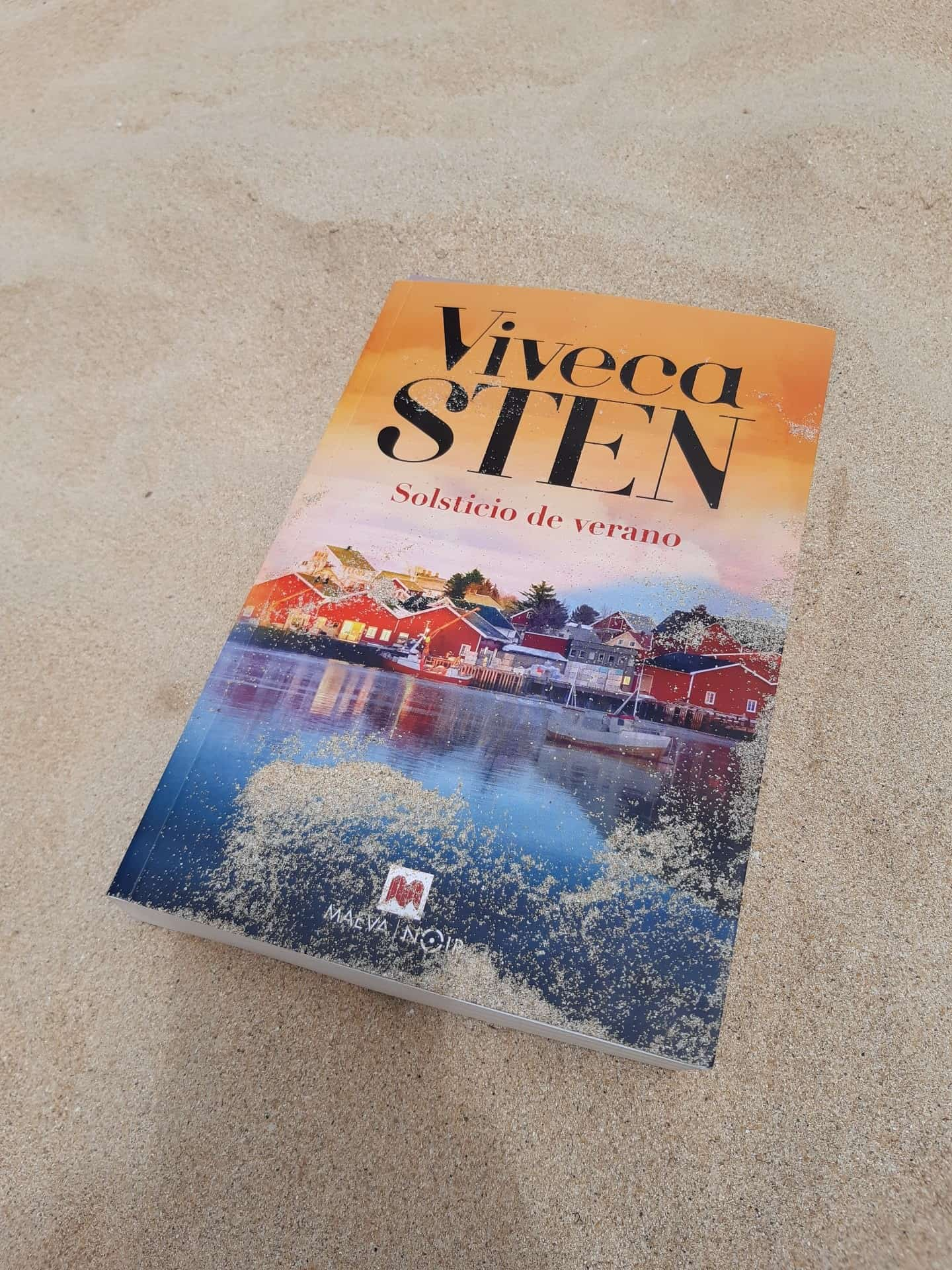 «SOLSTICIO DE VERANO», de Viveca Sten