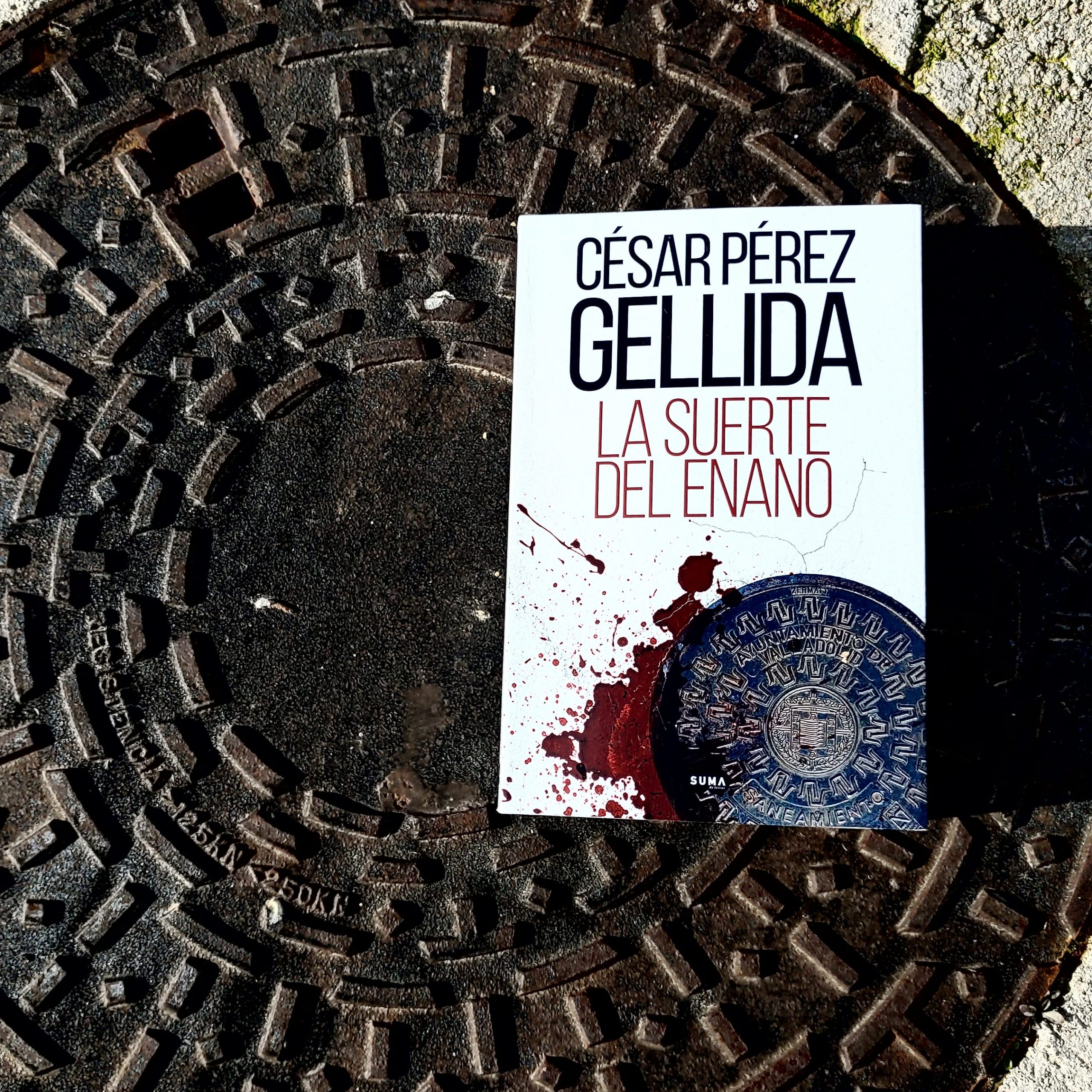 LA SUERTE DEL ENANO de CÉSAR PÉREZ GELLIDA.