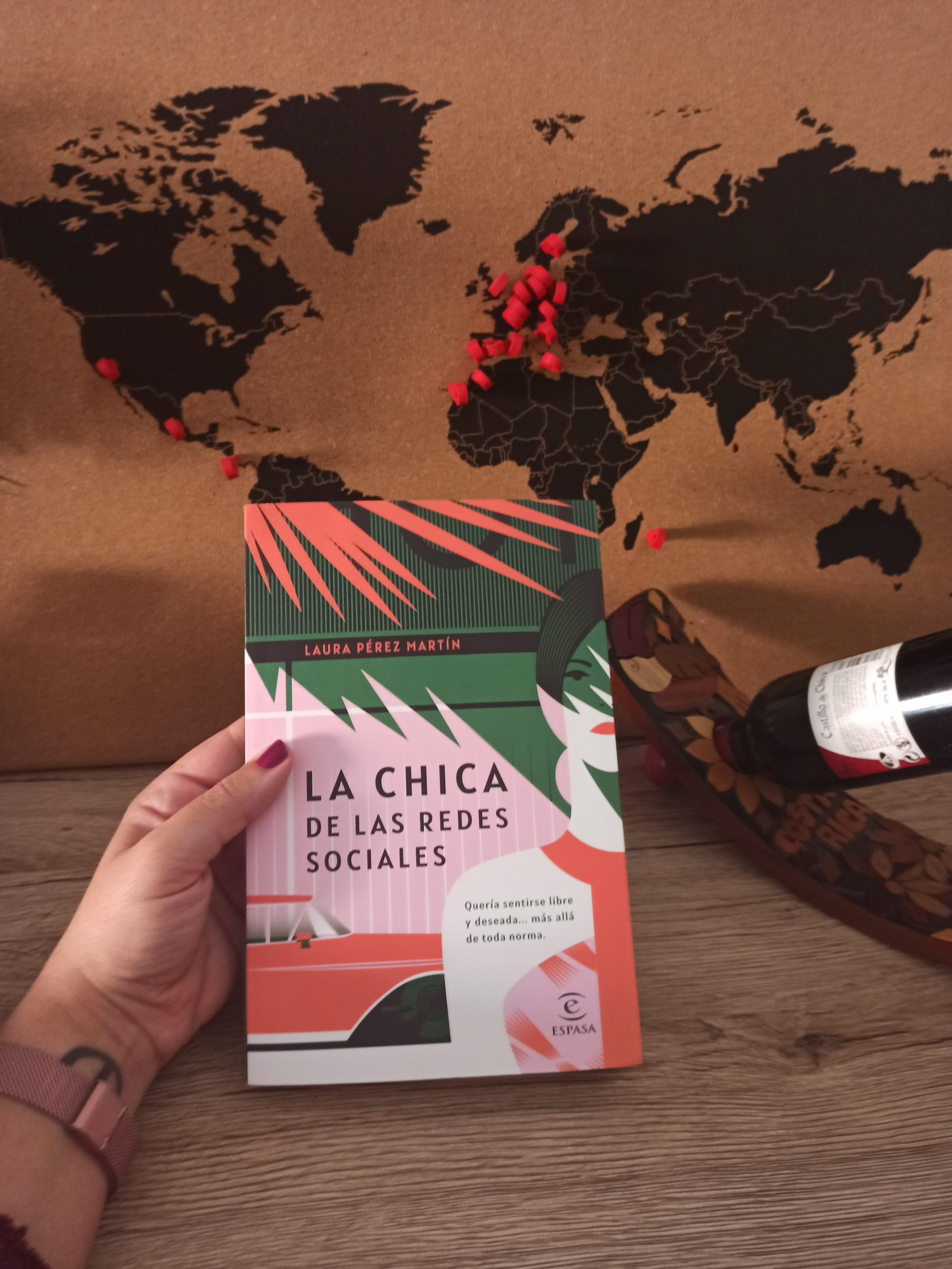 LA CHICA DE LAS REDES SOCIALES, de Laura Pérez Martín.