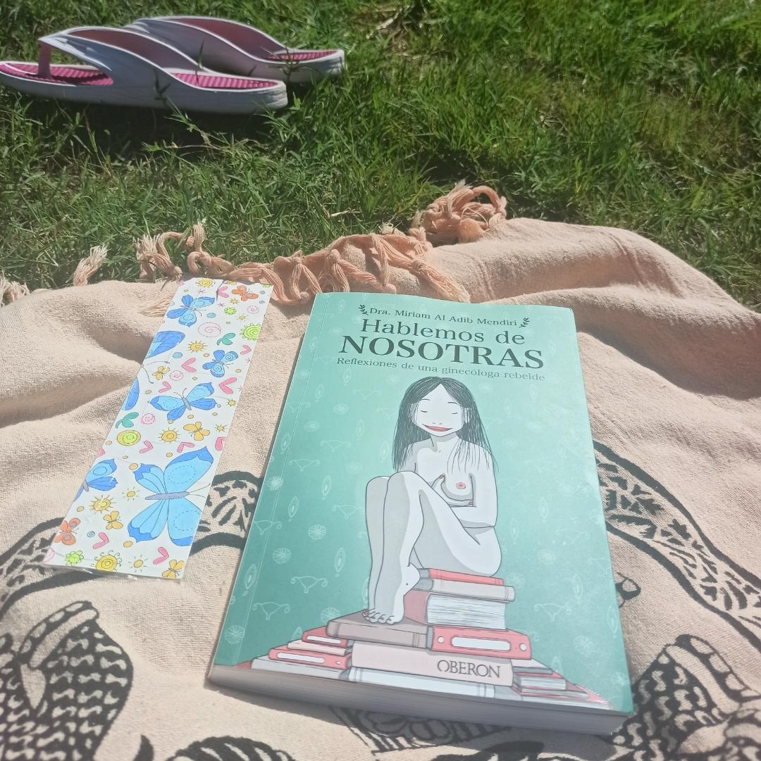 HABLEMOS DE NOSOTRAS, de Miriam Al Adib.